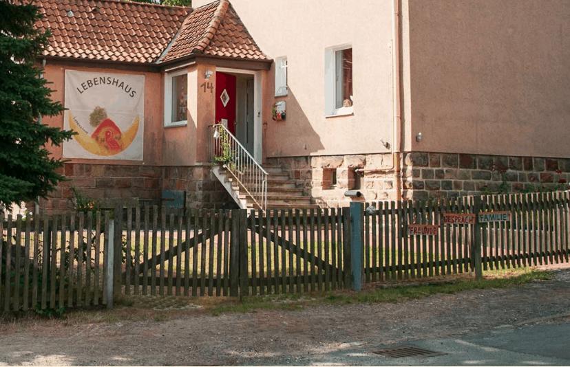 """Featured image for """"Allein mit der Trauer – Hospizarbeit auf Distanz"""""""
