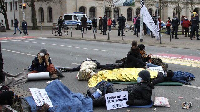"""Featured image for """"Extinction Rebellion Hannover: """"Rebellion für das Überleben"""""""""""