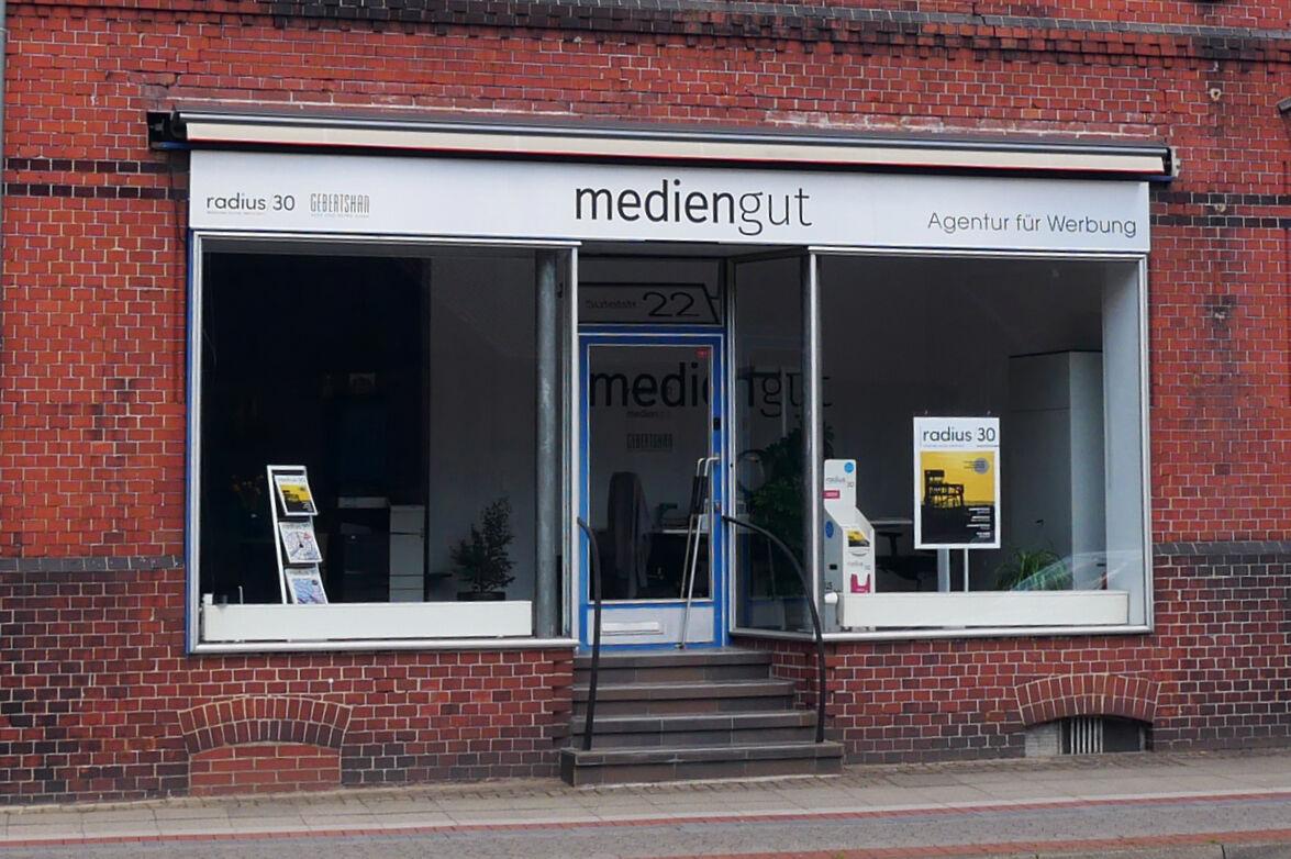 """Featured image for """"mediengut – ein Ladengeschäft als neues Büro"""""""